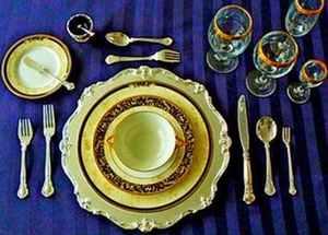 Как сервировать стол для домашних празднований