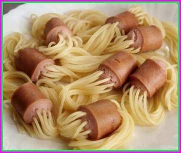 Сосиски со спагетти внутри
